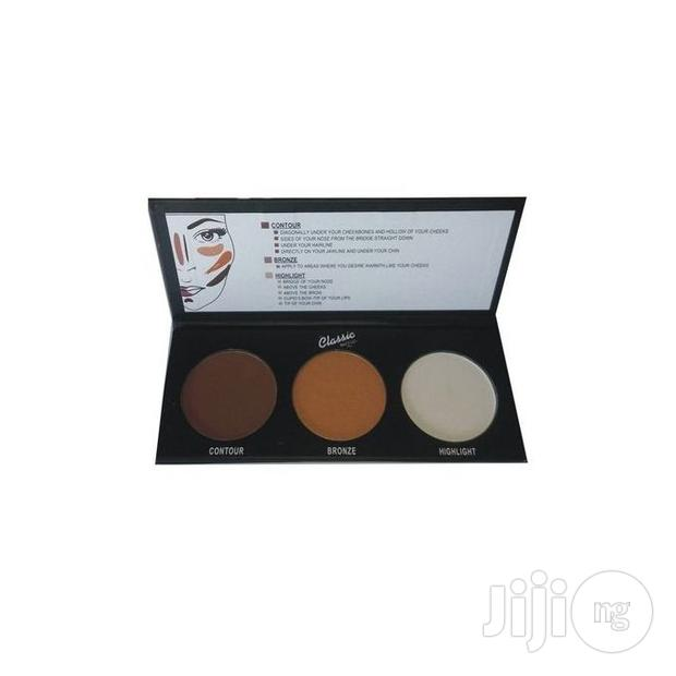 Classic Makeup Contour And Highlithing Kit
