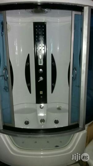 Ideal Standard Big Jacuzzi With Steam Bath And Glass Door