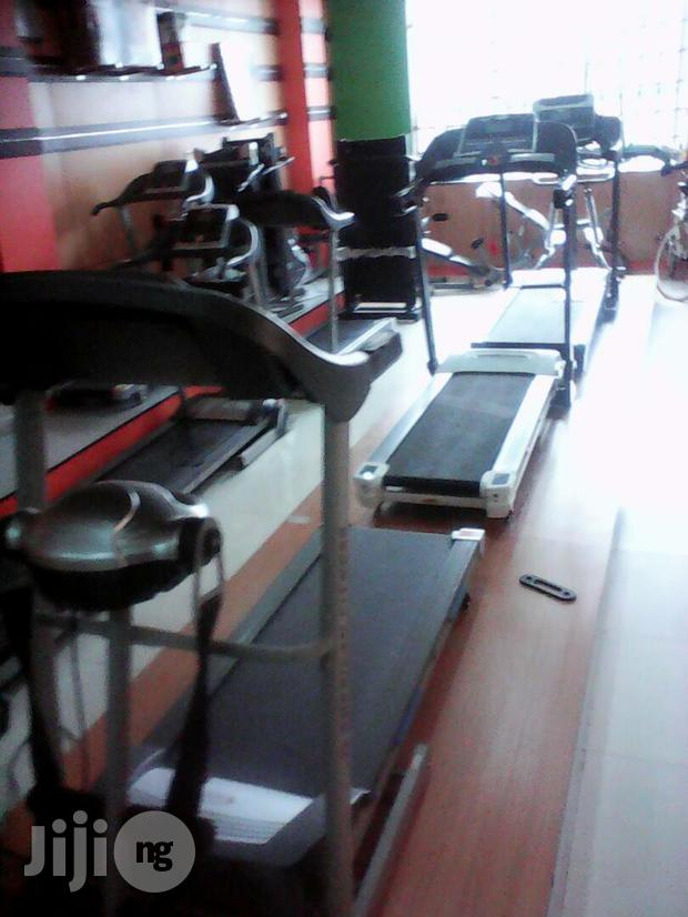Treadmill With Massager 3hp