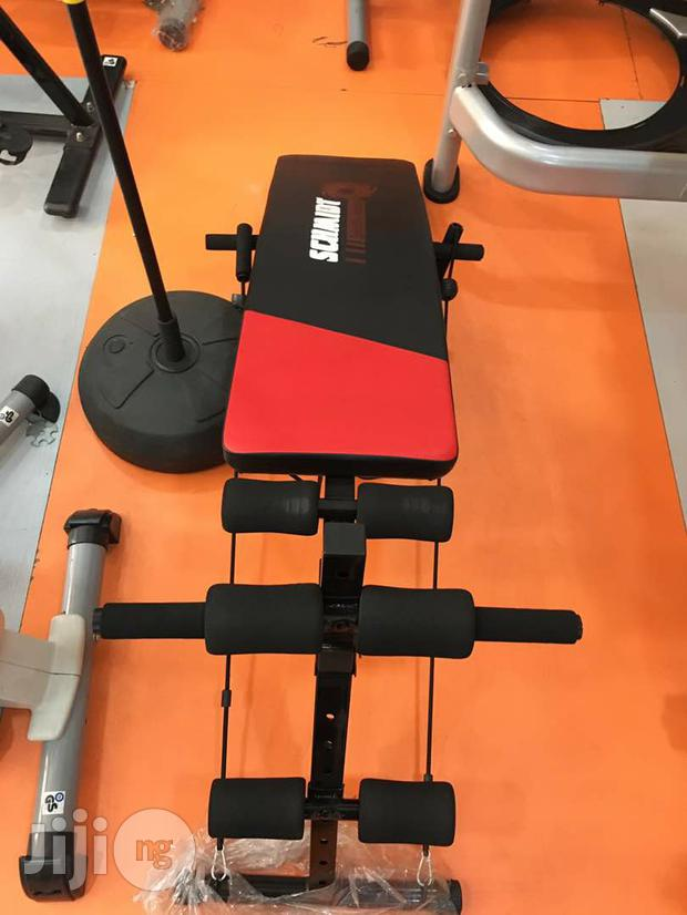 Sit Up Bench With Dumbbell