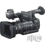 Sony HXR-NX5R NXCAM Professional Camcorder With Built-In LED Light   Photo & Video Cameras for sale in Lagos State, Ikeja
