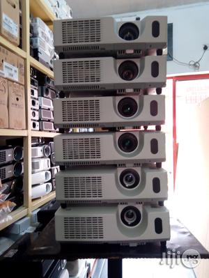 Sound And Clean UK Used Hitachi Projector, 3200 Lumens