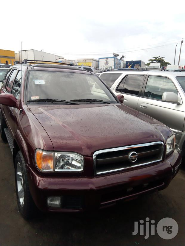 Archive: Nissan Pathfinder 2002 Red