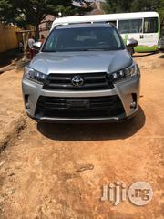 Tokunbo Toyota Highlander 2017 Silver | Cars for sale in Lagos State, Victoria Island