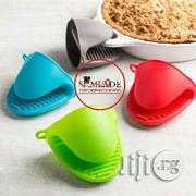 Silicone Heat Resistant Pot Holder and Oven Mitten | Kitchen & Dining for sale in Lagos State, Magodo