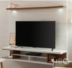 Rack Axel 1.4 BR Gloss or Natural TV Stand - LG