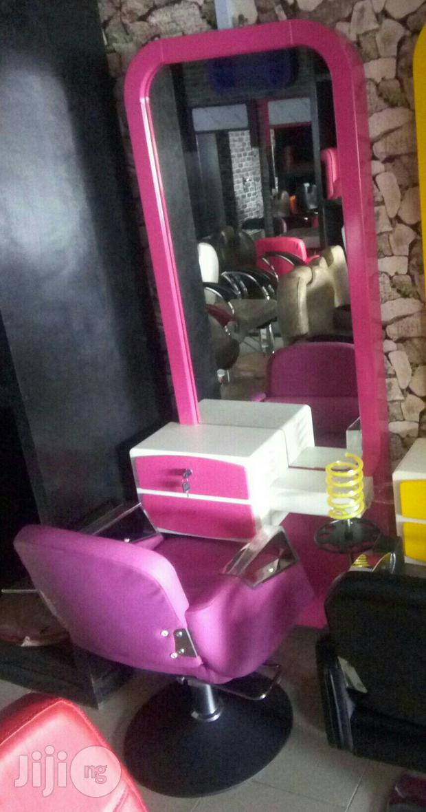 Complete Set Of Barbing Saloon Equipment 1