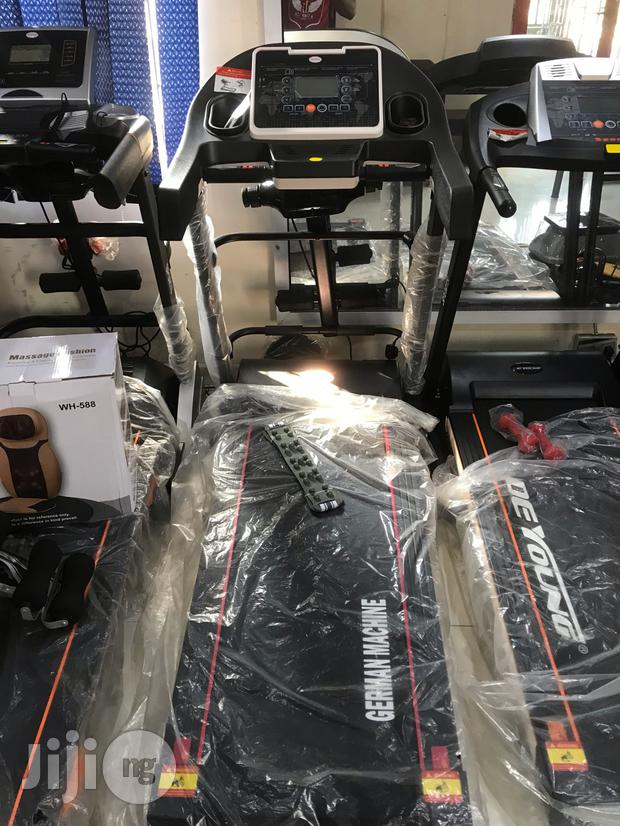 2.5hp Treadmill With Massager and Incline