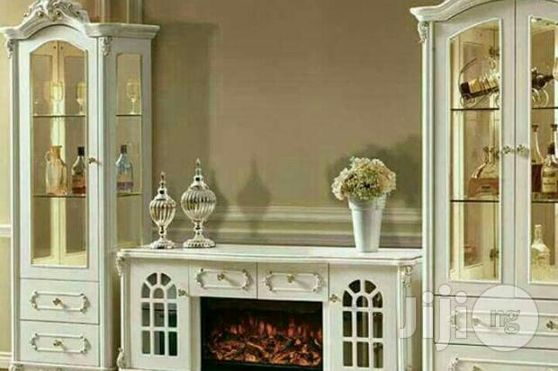 Show Glasses/Fire Place