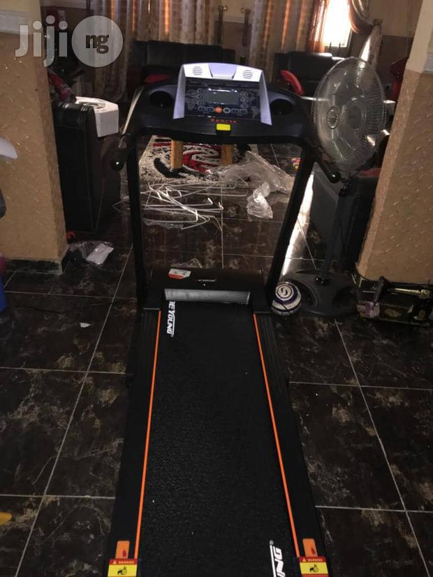 Dyoung 2.5hp Treadmill With Massager And Dumbbells