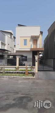 6 Bedroom Detached House With Penthouse 2 Room Boys Quarters Located In Pinnock Beach Estate Lekki Estate | Houses & Apartments For Sale for sale in Lagos State, Lekki Phase 1