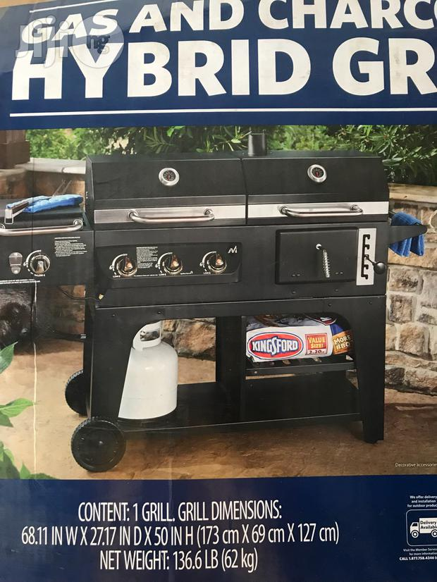 Gas And Charcoal Barbecue Grill