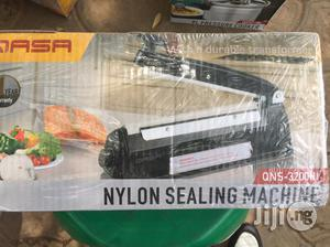 Nylon Sealing Machine.