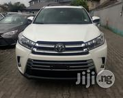 Toyota Highlander 2017 XLE 4x4 V6 (3.5L 6cyl 8A) White | Cars for sale in Lagos State, Amuwo-Odofin
