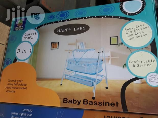 Classic And Comfortable Baby Bed Bassinet