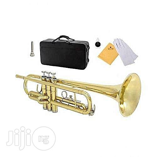 Yamaha Gold Trumpet With Accessaries