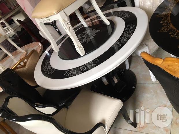 High Quality Round Marble Dining With With 6 Chairs