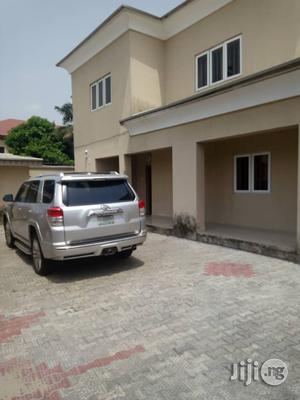 Neat 3 Bedroom Flat At Ikota Villa Estate Lekki Phase 2 For Rent.