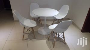 High Quality Set of Restaurants Table With 4 Unique Chairs