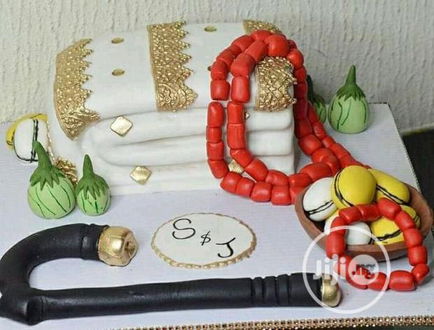 Archive: Wedding Cake And Decorations
