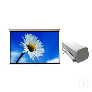 Manual Projector Screen 72 X 72 Inches