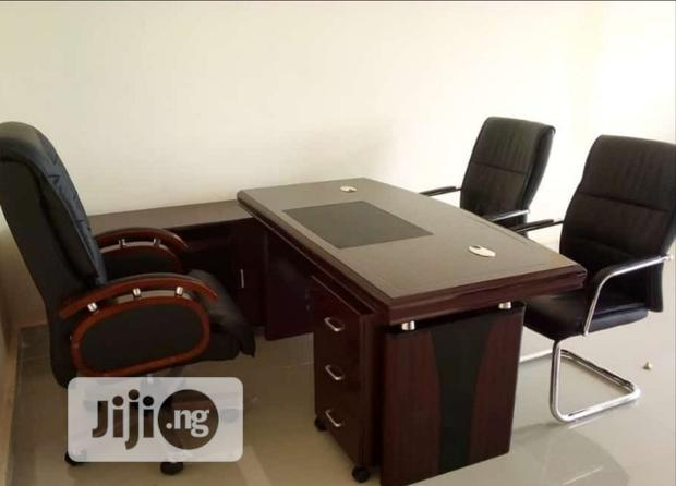 High Quality Set of Executive Office Table and Swivel Chair