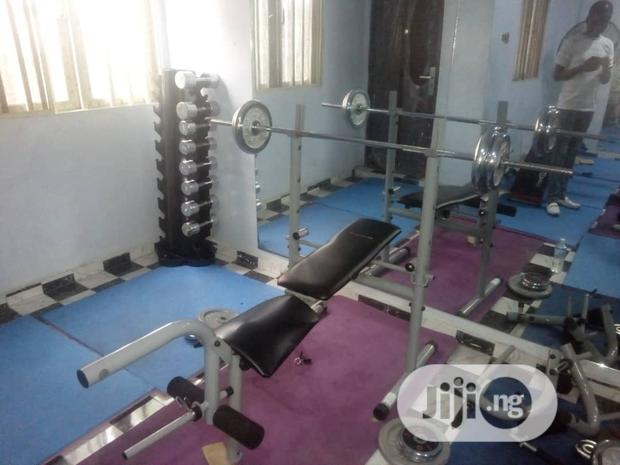 Weight Lifting Bench With 50kg Barbell