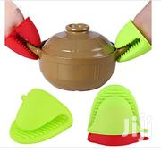 Heat Resistant Silicone Glove Grip Pinch Mitts | Kitchen & Dining for sale in Lagos State, Mushin