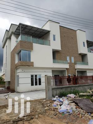5bed Room Semi Detached House with BQ For Sale