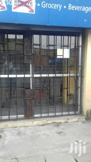 Spacious Shop/Warehouse Along Akerele Road Surulere Lagos For Rent | Commercial Property For Rent for sale in Lagos State, Surulere