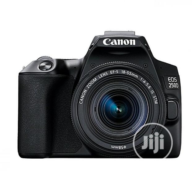 Canon EOS DSLR With 18-55 STM Lens + Articulating Screen + 4K( 250D)