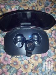 High Definition Single Bluetooth Earbud With Charging Case   Headphones for sale in Edo State, Benin City