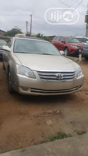 Toyota Avalon 2005 Gold | Cars for sale in Lagos State, Alimosho