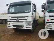 SINOTRUCK HOWO Tipper Truck | Trucks & Trailers for sale in Lagos State, Surulere