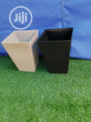 Quality Black And White Flower Pots And Planter