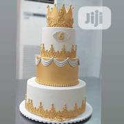 White And Gold Wedding Cake | Wedding Venues & Services for sale in Abuja (FCT) State, Kubwa