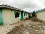 2bedroom Flat Into Places With 6 Shops Water Running | Houses & Apartments For Sale for sale in Ondo State, Akure