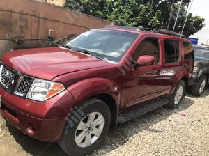 Nissan Pathfinder LE 4x4 2006 Red