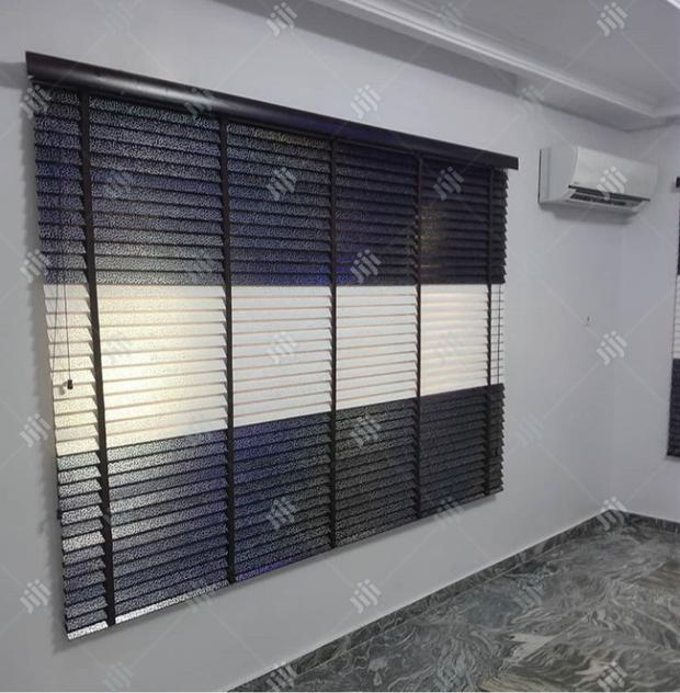 Wooden Blinds /Curtains /Bedsheets