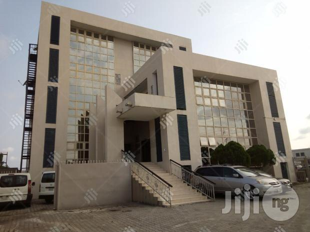 Archive: TO LET: 200sqm Office Space Opposite Agungi Lekki Phase 1.