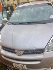 Toyota Sienna 2004 XLE AWD (3.3L V6 5A) Silver | Cars for sale in Abuja (FCT) State, Mabushi