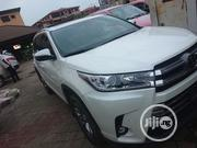 Toyota Highlander 2017 XLE 4x2 V6 (3.5L 6cyl 8A) White | Cars for sale in Lagos State, Lagos Mainland