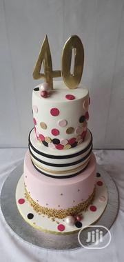 """3 Layer Of 10"""", 8"""" And 6"""" Vanilla Ccake With 40 On Top Of Theake   Party, Catering & Event Services for sale in Lagos State, Ojodu"""