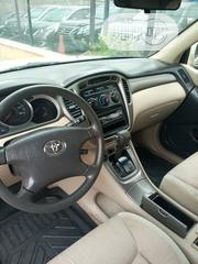 Toyota Highlander 2003 Gold | Cars for sale in Lagos State, Ilupeju