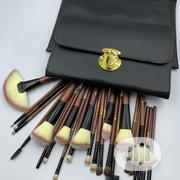 26 Piece Veninow Makeup Brush Set | Makeup for sale in Lagos State, Amuwo-Odofin