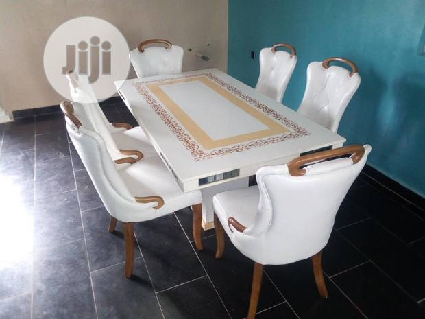 Quality Dinning Table