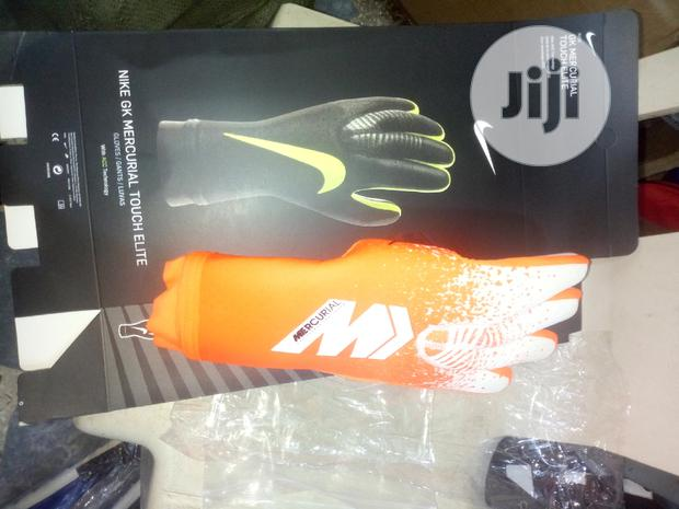 Nike Mercurial Goalkeeper Glove
