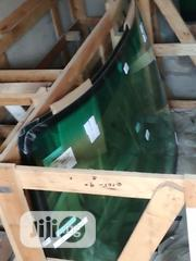 ES 350 2016 Windscreen | Vehicle Parts & Accessories for sale in Lagos State, Ilupeju