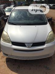 Toyota Sienna 2004 CE FWD (3.3L V6 5A) White | Cars for sale in Edo State, Egor