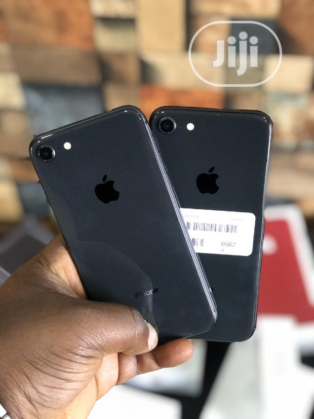 Archive: New Apple iPhone 8 64 GB Black